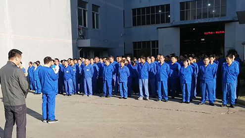车间5S员工评比,由生产副总杨加平出席,对优秀者进行表彰!